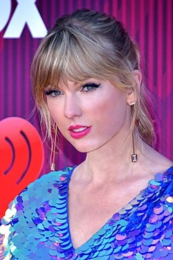 Taylor Swift 2 - 2019 by Glenn Francis (cropped) 3.jpg