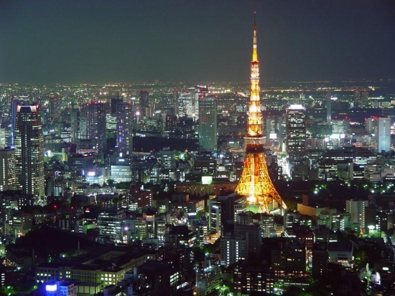 Thủ đô Tokyo là nơi náo nhiệt sầm uất nhất của Nhật Bản, có lối sống hiện đại nhưng lại không làm mất đi những vẻ đẹp truyền thống, Tokyo là nơi bạn nhất định phải đặt chân khi đến Nhật Bản.