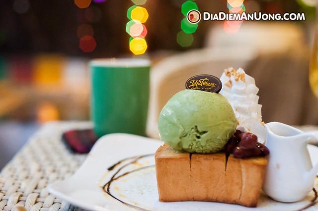 Top-5-quan-banh-toast-khong-the-bo-qua-tai-tphcm-3
