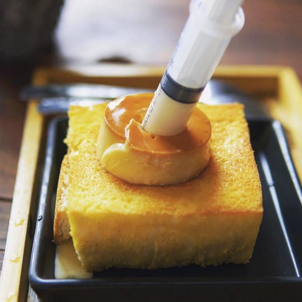 Top-5-quan-banh-toast-khong-the-bo-qua-tai-tphcm-4