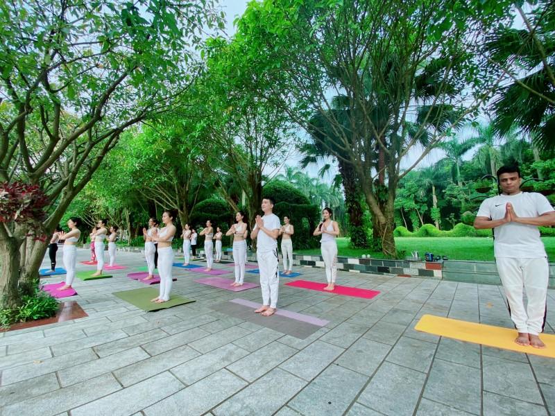 Top-5-trung-tam-day-yoga-uy-tin-tai-ha-noi-1