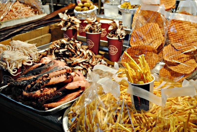 Không thể bỏ qua những món ăn street food như thế này được, vừa ngon, vừa độc đáo, vừa rẻ...tất nhiên là phải nếm thử vị của nó phải không nào?