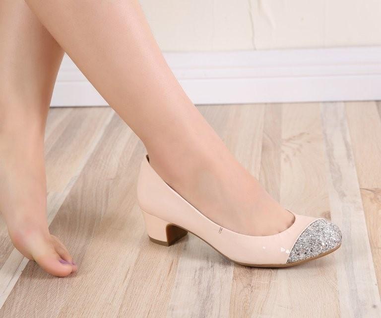 Wow, đôi giày vừa như in chân mình nè.